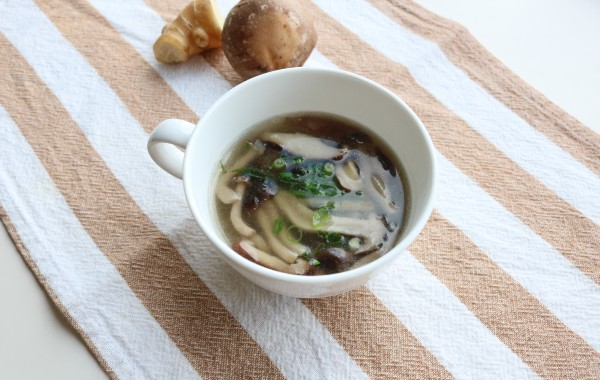 ごぼうときのこの生姜スープ
